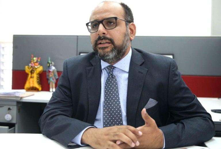 Ministro de Educación en desacuerdo con propuesta de toque de queda para menores de edad