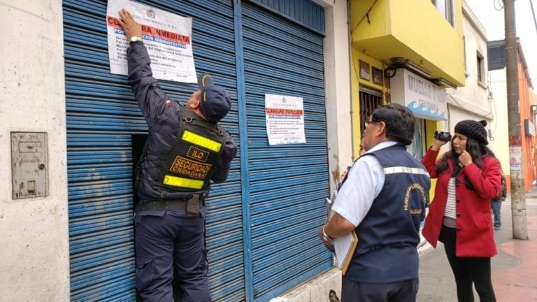 Clausuran cantinas sin licencia en el cercado de Ilo
