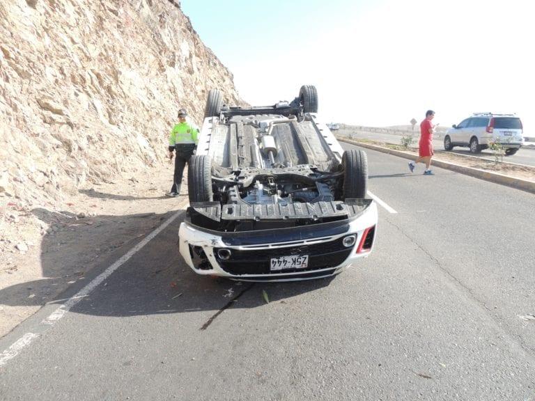 Dos jóvenes resultan con heridas de consideración en accidente vehicular al ingreso de Ilo