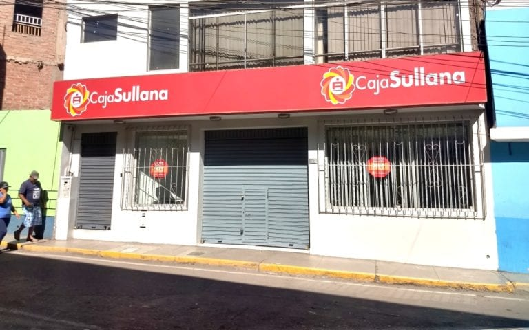 Cajas que ganan: Caja Arequipa y cajas que pierden: Caja Sullana