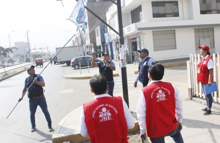 Moquegua: fiscalizadores del JNE retiraron propaganda electoral