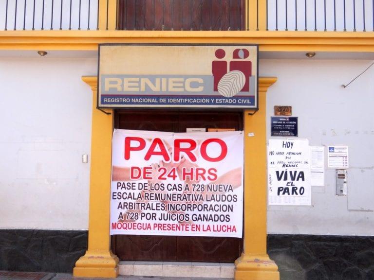 Trabajadores de RENIEC acatan paro nacional de 24 horas en Moquegua