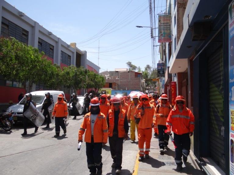 Trabajadores de construcción civil realizan marcha de protesta contra la Municipalidad de Mariscal Nieto