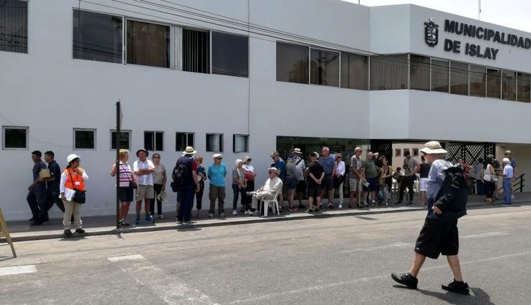 Llegan más de 200 turistas a bordo de crucero Prinsendam