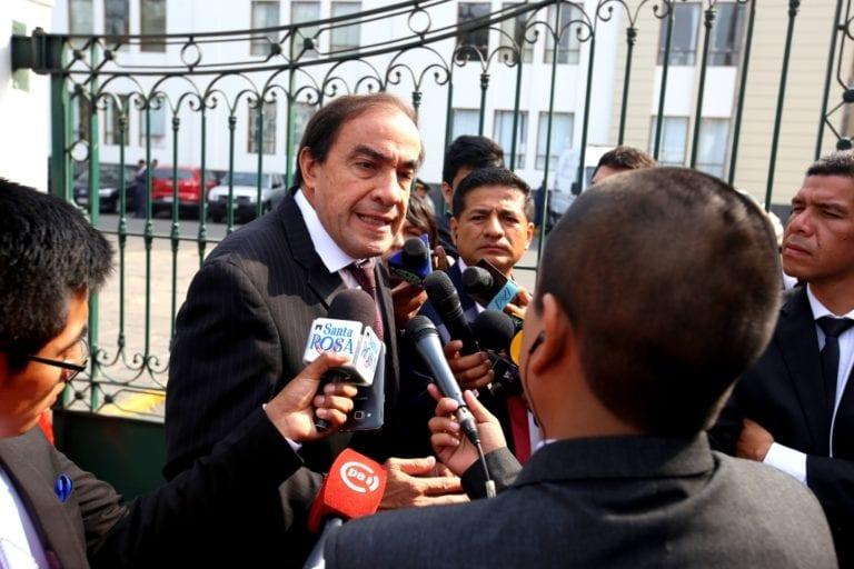 Periodista ratifica denuncia contra congresista Yonhy Lescano