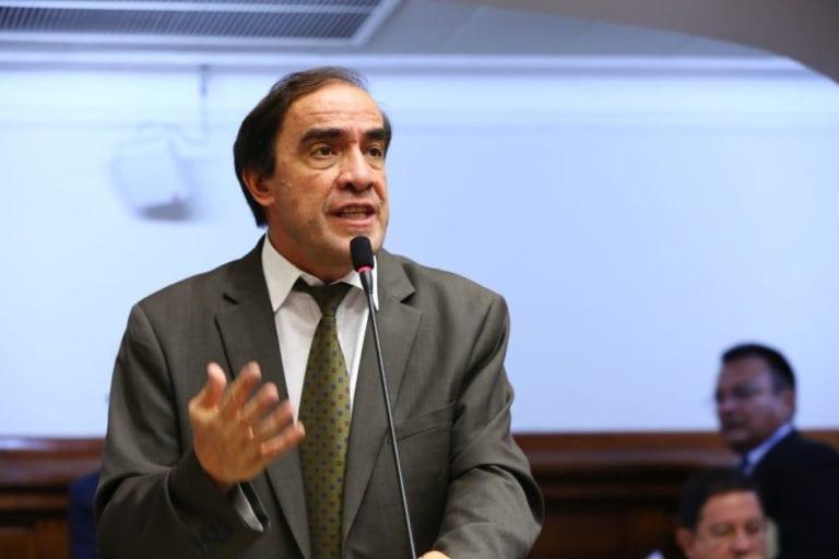 Informe de Comisión de Ética recomienda suspender a Yonhy Lescano por 120 días