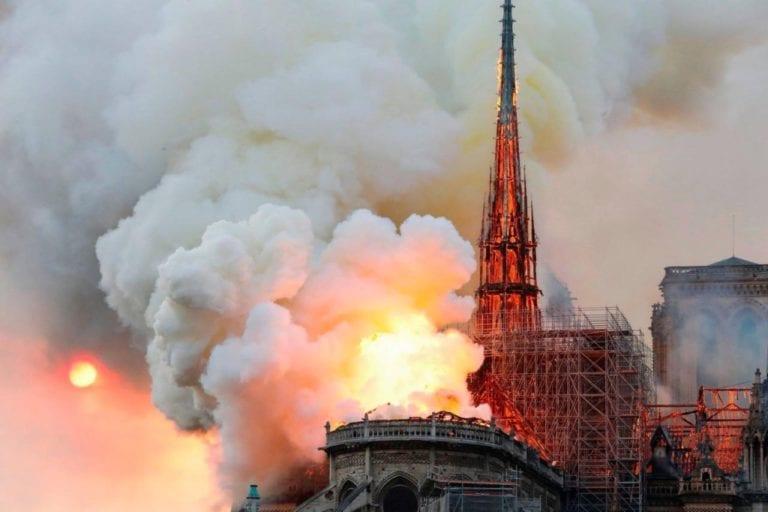 ¿Qué está pasando con la quema de iglesias en el mundo?