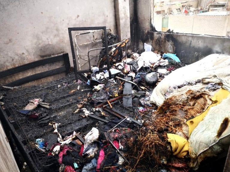 Ama de casa deja plancha encendida y provoca incendio en su vivienda