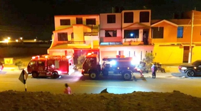 Segundo piso de vivienda se incendia en Costa Azul