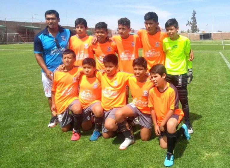 Equipo de futbol sub-12 de Mollendo requiere apoyo para viajar a Tarapoto