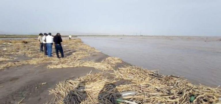 Inspeccionan áreas afectadas por desborde del río Tambo