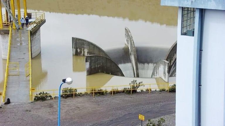 Represa Aguada Blanca registra su primer rebose