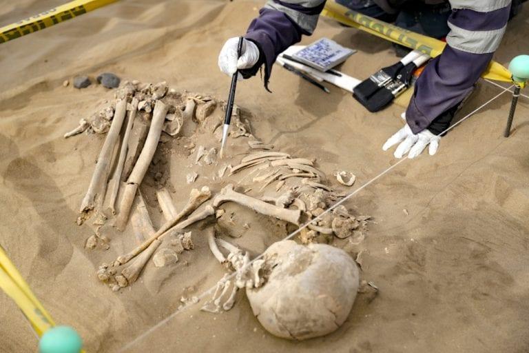 Resaltan hallazgo de 85 cuerpos en Ilo que datan de 6 mil a 8 mil años de antigüedad