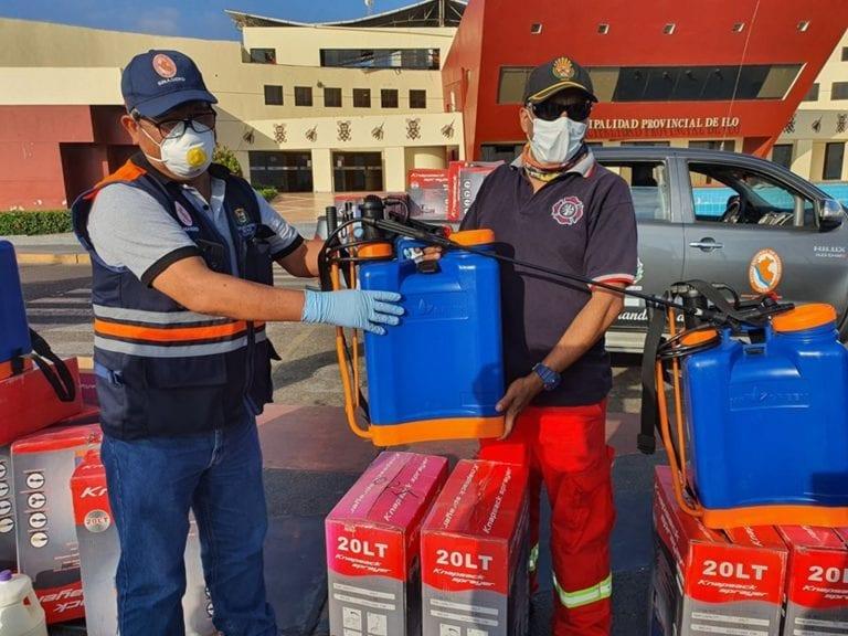Entregan mochilas fumigadoras a Compañía de Bomberos de la Provincia de Ilo