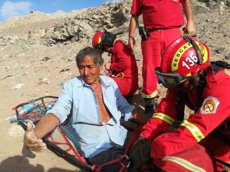 Bomberos y Serenazgo rescatan a anciano cuando estaba a punto de caer a acantilado