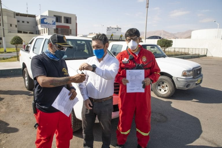 Southern Peru donó camionetas a Bomberos Voluntarios de Moquegua y Pacocha
