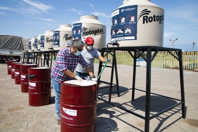 Southern apoya con lavamanos portátiles y tanques de agua