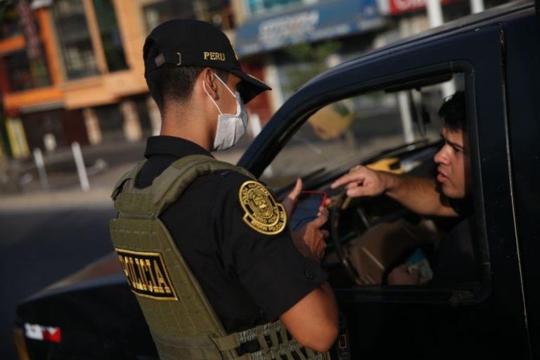 Vehículos particulares podrán circular nuevamente desde este domingo 15