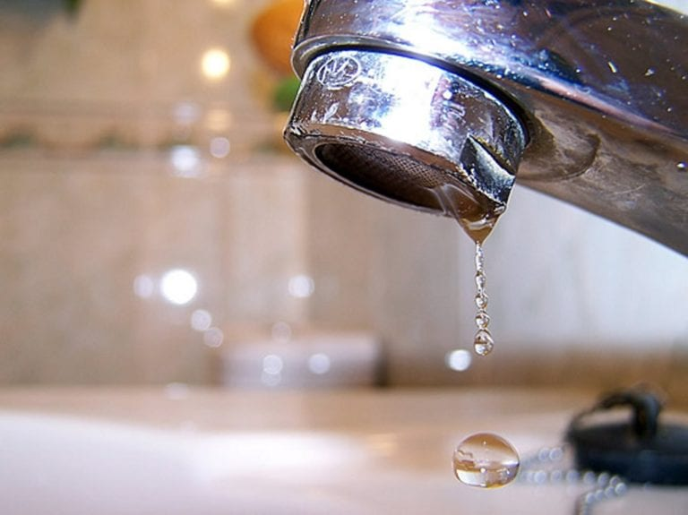 Anuncian corte de agua en cinco distritos de Islay