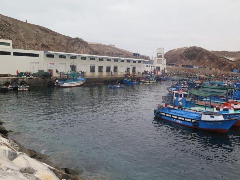 Pescadores trabajarán solo con embarcaciones locales en sus DPA
