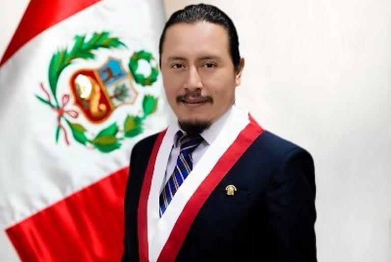 Congresista Oseda solicita información a alcalde Zúñiga sobre situación de CBB