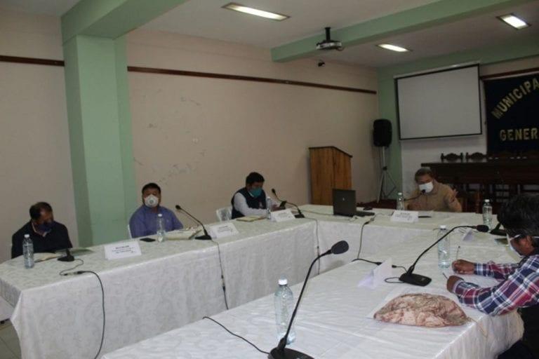 Tratan en reunión problemática de la contaminación del rio Coralaque y Tambo