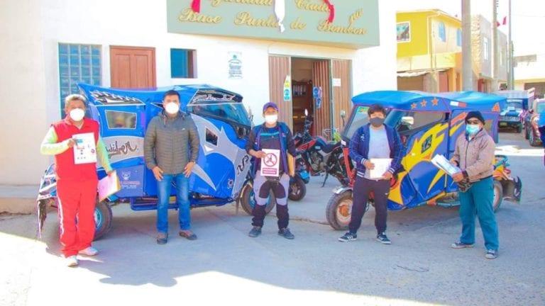 Municipio entrega señalización a moto taxistas de Punta de Bombón
