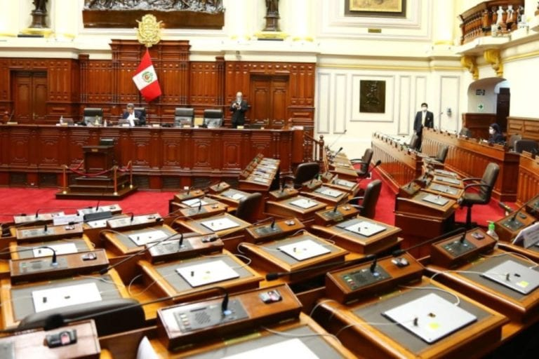 Junta de Portavoces se reúne hoy domingo para buscar salida a la crisis política