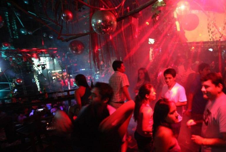 Bares, discotecas y cines todavía no funcionarán en el arranque de la fase 4