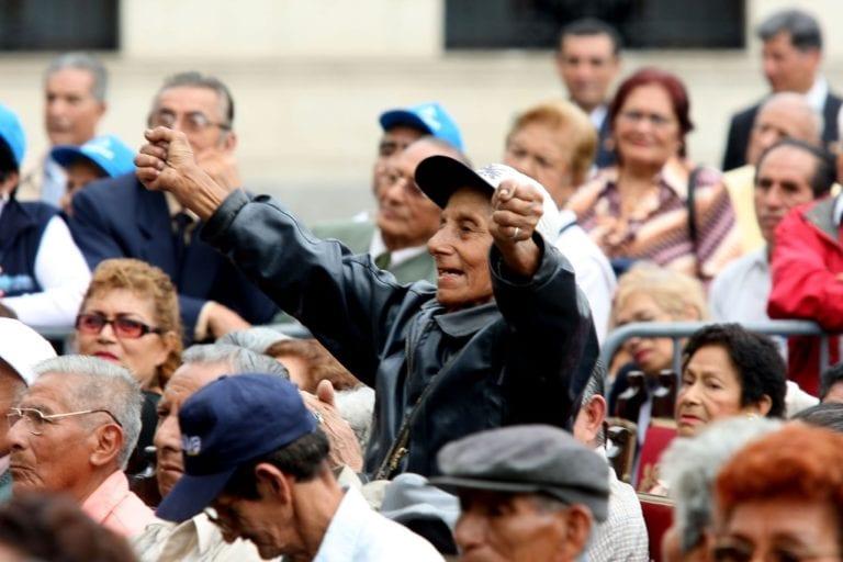 Jubilados recibirían más de lo aportado con propuesta del Gobierno sobre ONP