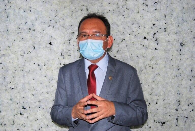 "Piden que se declare ""persona no grata"" a congresista Johan Flores"