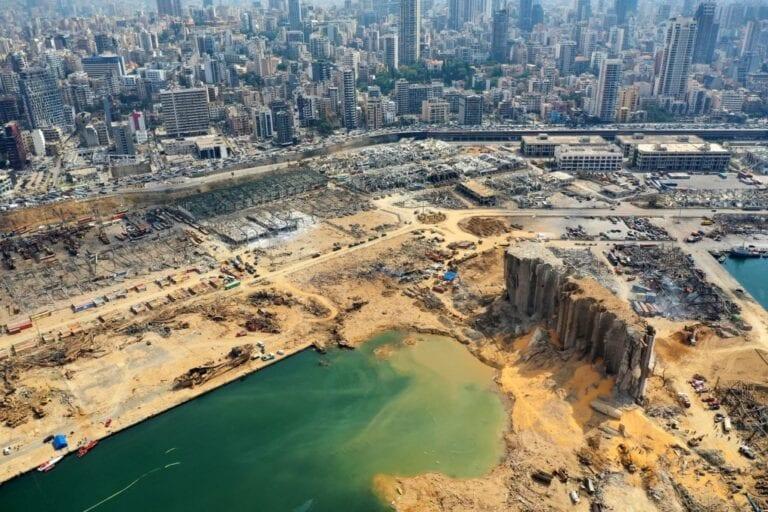 Presidente de Líbano: explosión se debió a «negligencia» o a «un misil»