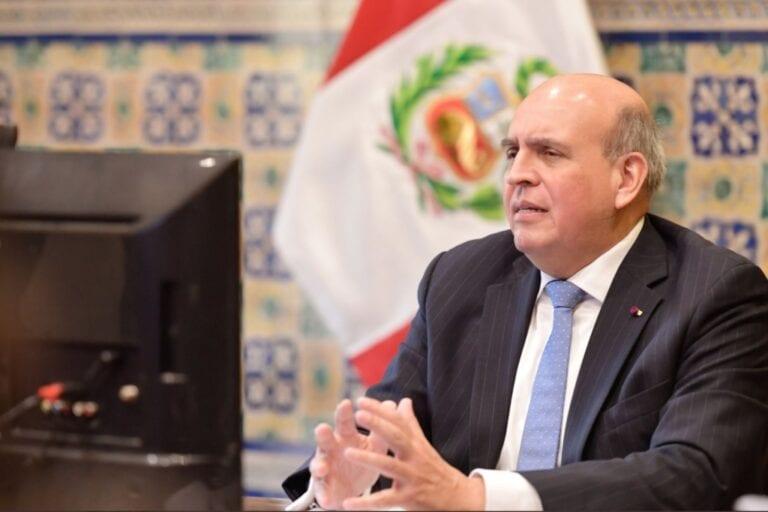 """Excanciller Mario López sobre compra de vacunas: """"Se firmaron dos acuerdos vinculantes"""""""