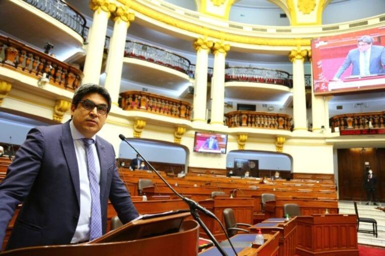 Martín Benavides: «No existe ninguna norma hecha para alguna universidad en particular»