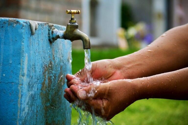 Empresas de agua podrán facturar por promedio de consumo