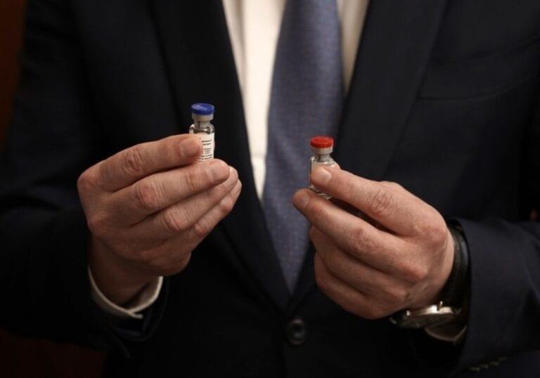 OMS afirma que revisará eficacia de la vacuna rusa