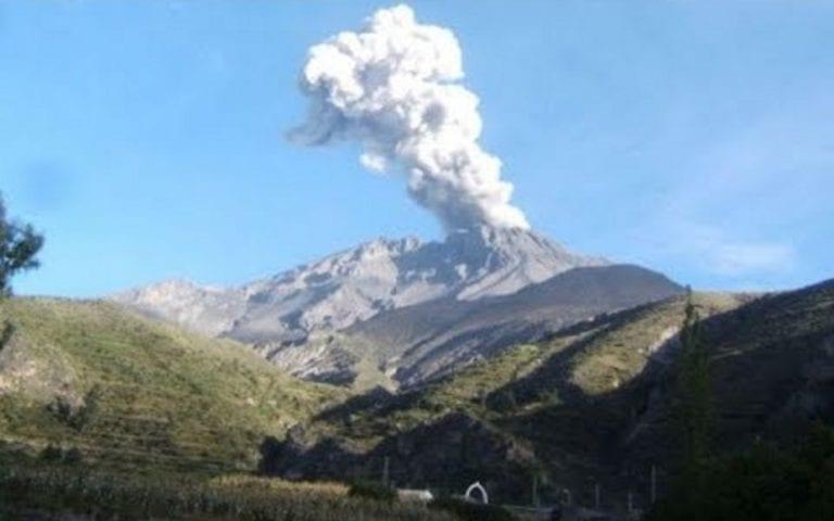 IGP: el volcán Ubinas registra ligero incremento de la actividad sísmica