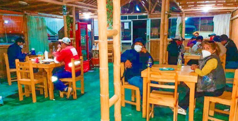 Detectan restaurantes que sobrepasan aforo permitido en Punta de Bombón
