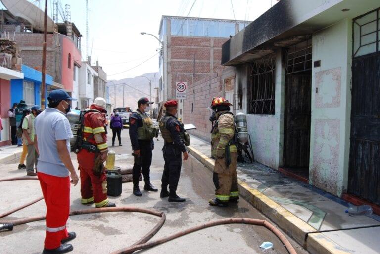 Incendio consume todo el interior de vivienda en Quinta Plataforma
