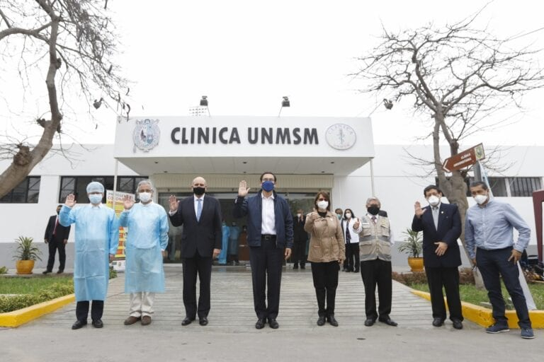 Presidente verificó ensayos clínicos de la vacuna del laboratorio Sinopharm de China
