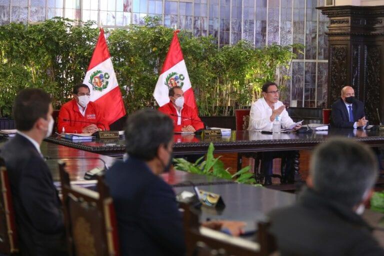Martín Vizcarra anuncia que el 8 de octubre será día laborable