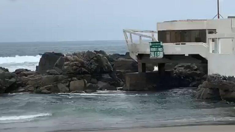 Rescatan a pareja de la playa Cero