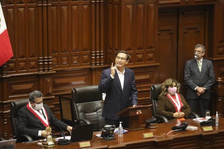 Martín Vizcarra en el Congreso: «Vengo a dar la cara, con la frente en alto y la conciencia tranquila»