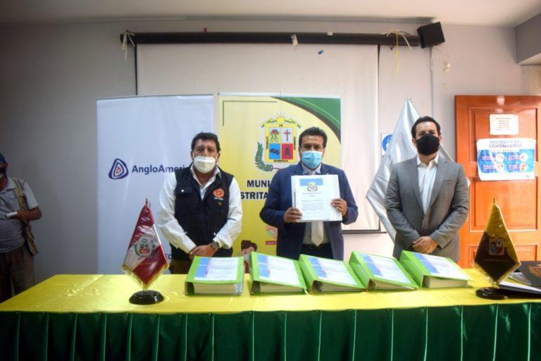 Anglo American firma convenio con municipio de Samegua
