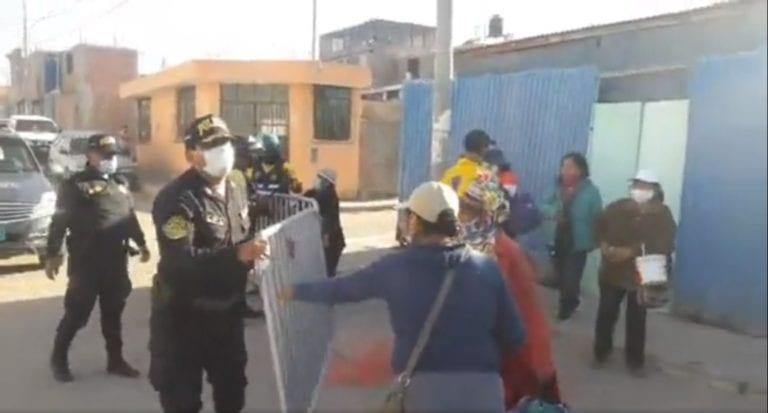 Nuevamente se registran incidentes entre feriantes y policías