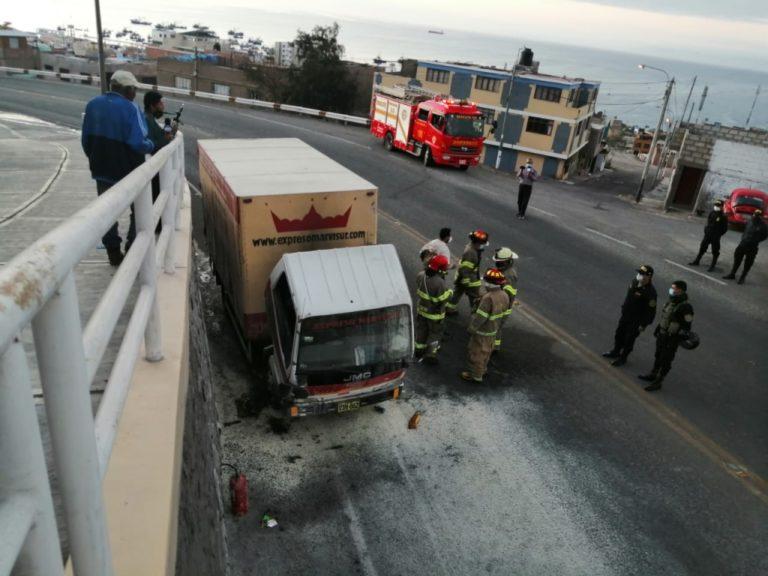 Motor de camioncito de empresa MARVISUR se incendia