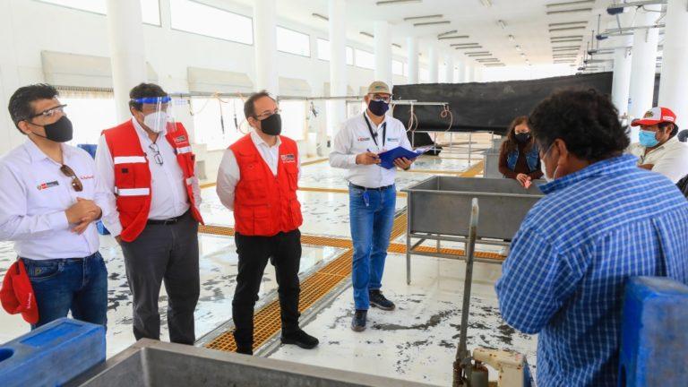 Ministro de la Producción y gremios de pescadores de Ilo acuerdan trabajo conjunto