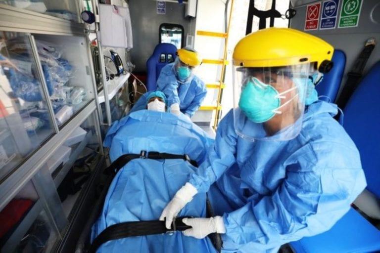 Minsa: caen a la mitad contagios, hospitalizaciones y muertes por covid-19