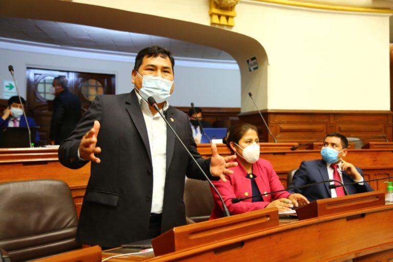 Presidente de comisión del Congreso tomará medidas por participación de Zenón Cuevas en marcha