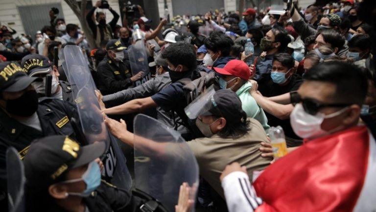 Escalonada de indignación y violencia tras vacancia de Martín Vizcarra